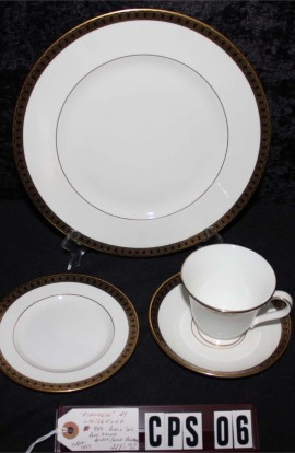 Waterford Fine Bone China Ashworth Pattern WFCASH , A 4 Piece Set , Cup, Saucer , with Dessert and Dinner Plates