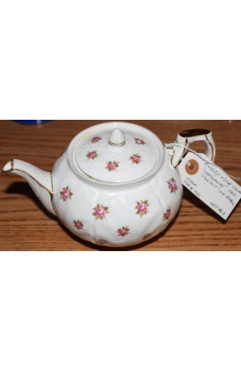 Aynsley Fine Bone China Rosedale Pattern AYNROS Vintage Tea Pot