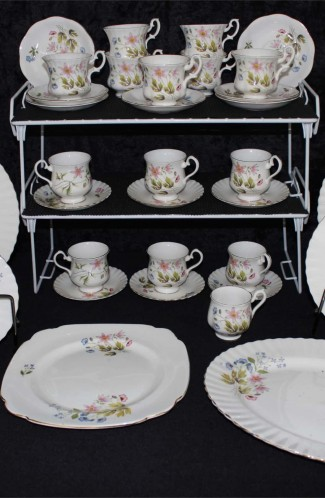 Richmond Wild Anemone Bone China Dinnerware