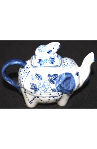 Blue Willow China Small Elephant Pattern Vintage Tea Pot with Lid
